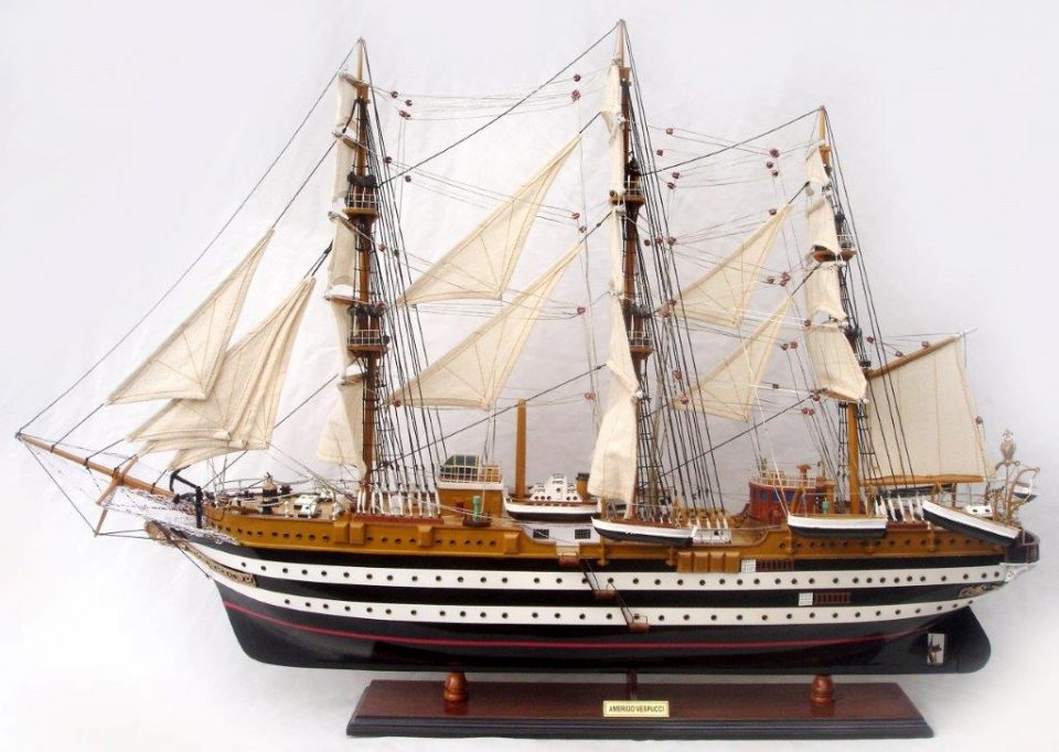 Navi Modello della Nave Scuola Amerigo Vespucci