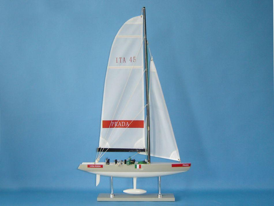 Navi Modello del Prada Luna Rossa America's Cup