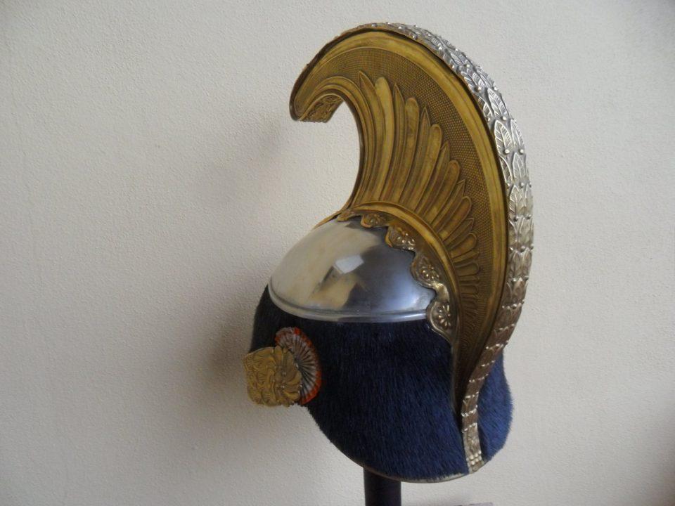 Retro Elmo di Cavalleria da truppa portato da soldati del Reggimento di Cavalleria Savoia