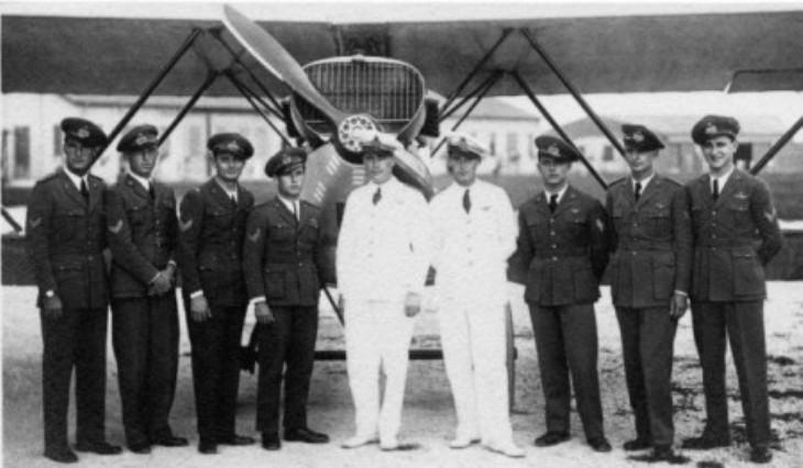Campoformido – 1930. I piloti della Pattuglia Acrobatica del 1° Stormo che effettua, nel 1930, la Crociera Orientale - CR.20 Bis
