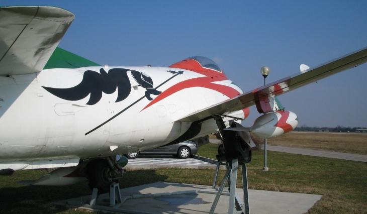 13 - Fiat G.91R - 2° Stormo - 14° Gruppo - Ultimo Volo - Monumento - Rivolto