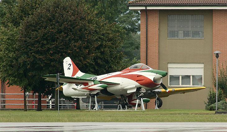 14 - Fiat G.91R - 2° Stormo - 14° Gruppo - Ultimo Volo - Monumento - Rivolto