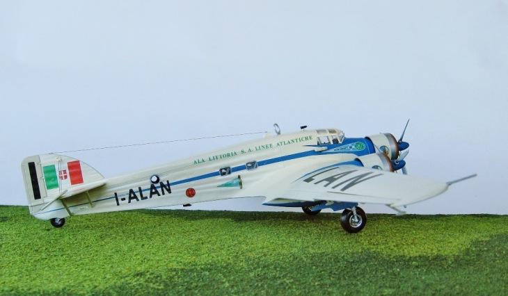 10 - Modello in 1/72 del Savoia Marchetti S.M.79 - Ala Littoria -Realizzazione e foto di Gabriel Stern