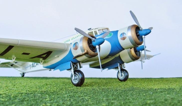 12 - Modello in 1/72 del Savoia Marchetti S.M.79 - Ala Littoria -Realizzazione e foto di Gabriel Stern