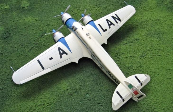 19 - Modello in 1/72 del Savoia Marchetti S.M.79 - Ala Littoria -Realizzazione e foto di Gabriel Stern