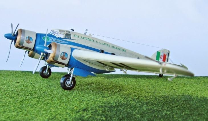 2 - Modello in 1/72 del Savoia Marchetti S.M.79 - Ala Littoria -Realizzazione e foto di Gabriel Stern