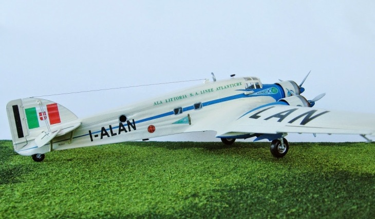3 - Modello in 1/72 del Savoia Marchetti S.M.79 - Ala Littoria -Realizzazione e foto di Gabriel Stern