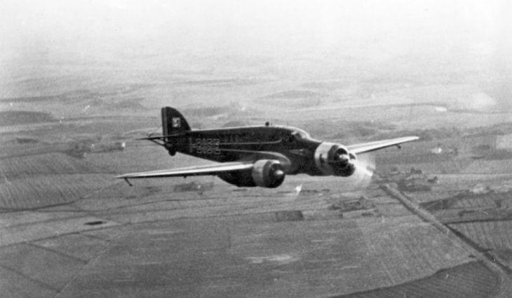 Il Savoia Marchetti S.79T - I-BISE in volo durante il raid Italia-Brasile