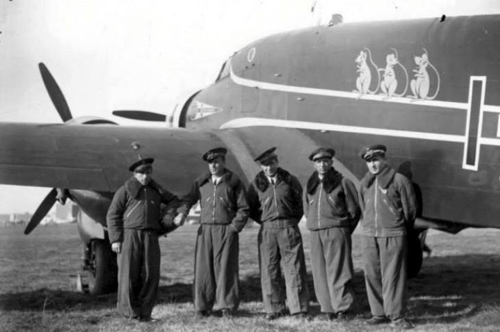 Un equipaggio del Savoia Marchetti S.79T che partecipò al raid Italia-Brasile
