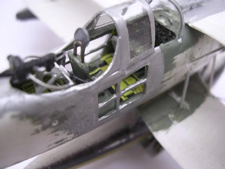 Fase di montaggio del kit Pezzi tagliati del kit IMAM Ro-43 - Airmodel - 1/72 - Cod. AM-146
