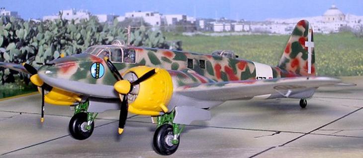 Fiat CR.25 bis - Airmodel - 1/72 - Modello e foto di Carmel J. Attard